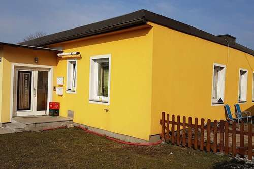 Provisionsfreie 2 Zimmer Wohnung mit Garten und Parkplätzen in ruhiger Lage