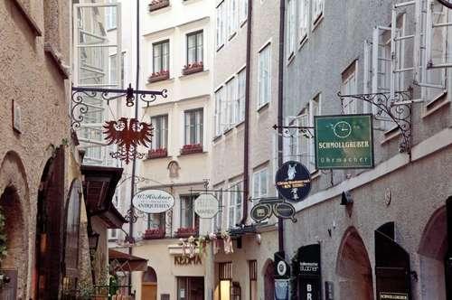 GOLDGASSE - ERSTBEZUG nach Sanierung: Charmante Wohnung mit Lift in revitalisierten Altstadthaus!