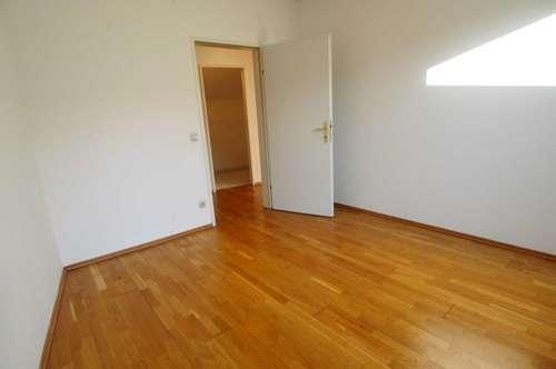 3-Zimmer Dachgeschosswohnung im Zentrum von Wr. Neustadt