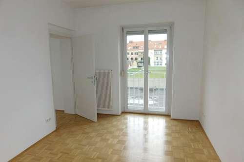 Bei Jakominiplatz: Single/Pärchen-Wohnung in Hofruhelage