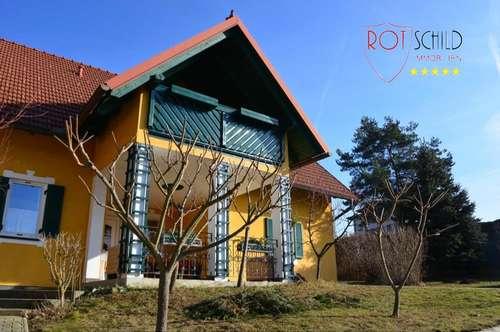 Großzügiges Haus mit wundervollem Grund ! Wohnfläche erweiterbar - samt Nebengebäude