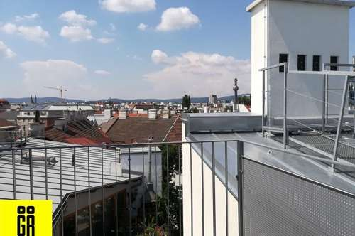 RUHIGE DACHGESCHOSSMAISONETTE - TERRASSE - ERSTBEZUG NACH SANIERUNG - ALTBAU - Top 20 - 4 Zimmer - 3 Bäder - möblierte Küche - Lift - U Bahn Nähe
