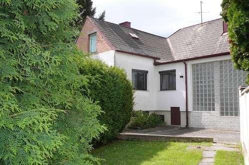 Einfamilienhaus mit traditionellem Charme und großem Grundstück!!