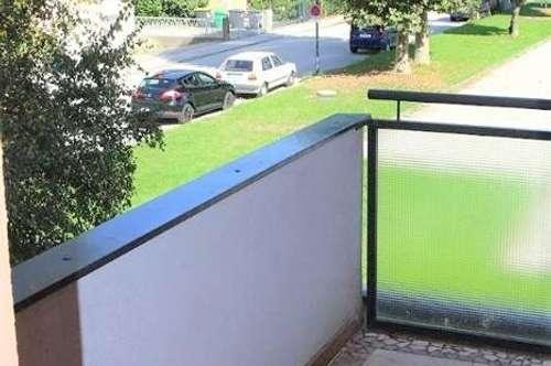 Salzburg-Süd/Alpensiedlung: 3- Zimmer - Balkon - Parkplatz!