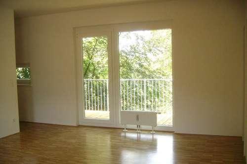 FAMILIENTRAUM - 1. Monat mietfrei - 3-Zimmerwohnung mit Terrasse und Autoabstellplatz