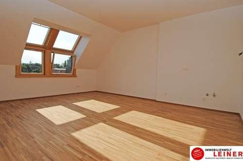 Sonnendurchflutete Dachgeschosswohnung im Herzen von Himberg