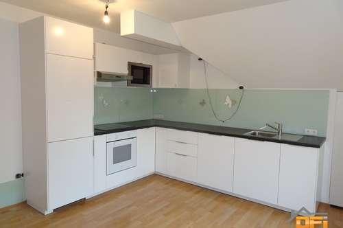 Zentral begehbare 4-Zimmer Dachgeschoßwohnung mit neuer Küche