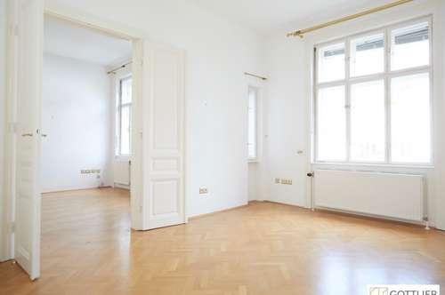 Lichtdurchflutete 3-Zimmer-Stilaltbau-Wohnung mit Balkon in Gersthofer Cottage-Grünlage