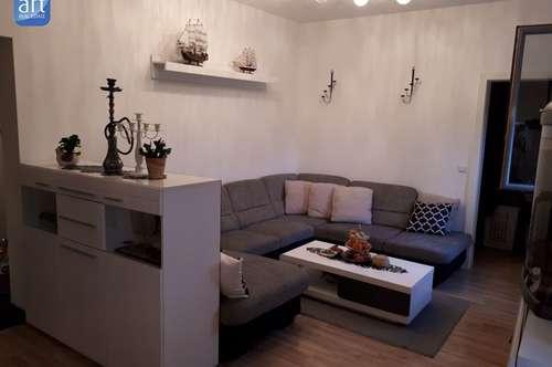 Wunderschöne, großzuegige Wohnung mit Benützung einer Dachterasse!