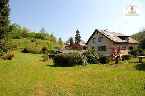 Gepflegtes Mehrfamilienwohnhaus mit 3.900 m² Baugrund/Nähe Krumpendorf