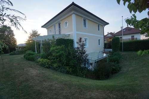 Einzigartige Villa mit Einliegerwohnung auf großzügigem Grundstück /  Zur 3D Besichtigung LINK folgen - SBG