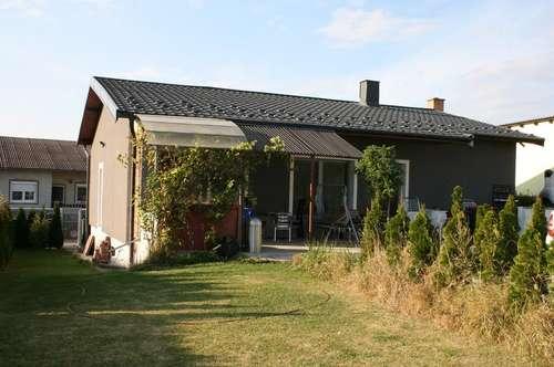 !!! Einfamilienhaus mit großem Garten !!!