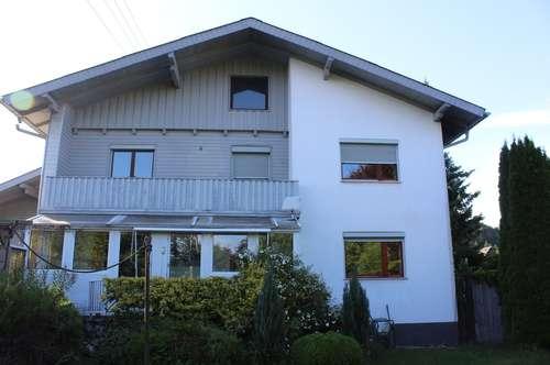 geräumige 2,5 Zimmerwohnung mit Garagenplatz und Balkon