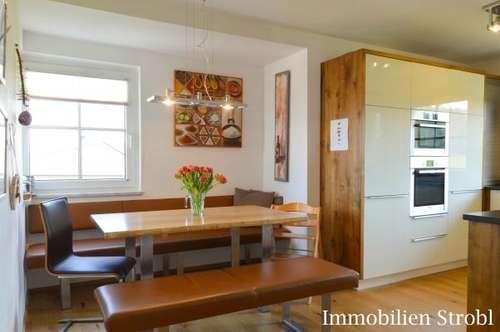 wohnung in henndorf am wallersee kaufen eigentumswohnungen. Black Bedroom Furniture Sets. Home Design Ideas