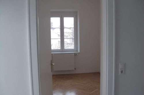 Gediegene 3-Zimmer Altbauwohnung in Kreuzbergl-Villa