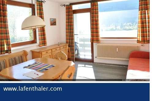 KLEINE 2-Zimmer MIETWOHNUNG in ruhiger und sonniger Lage, nahe am Zentrum, Stellplatz & Balkon