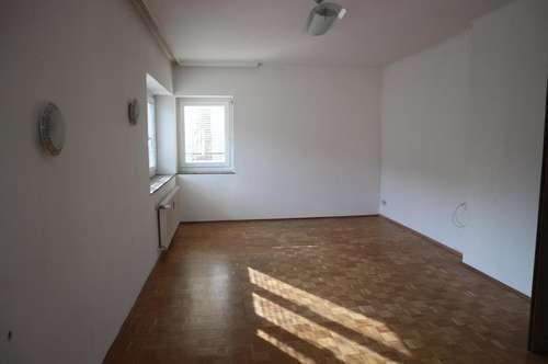 2 Zimmer Wohnung mit eigenem Eingangsbereich