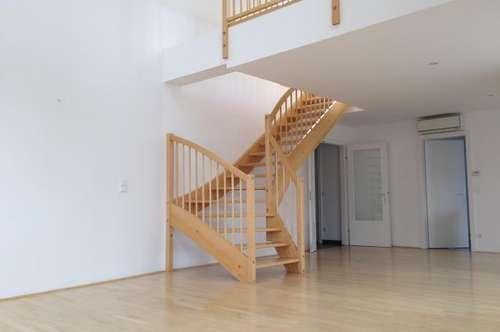 Unbefristete 4-Zimmer-DG-Maisonette mit Galerie und 2 Terrassen