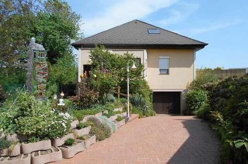 Geräumiges, gepflegtes Wohnhaus mit Teilkeller in ruhiger Siedlungslage von Göllersdorf