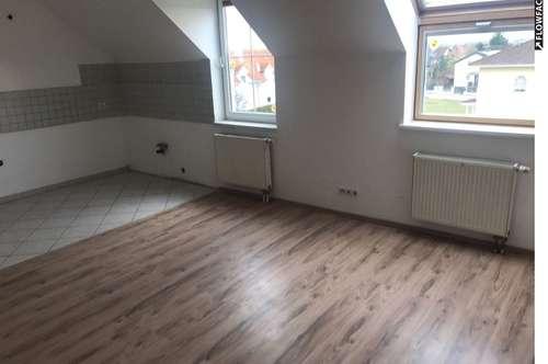 Sonnige 3-Zimmer DG-Wohnung in Weigelsdorf