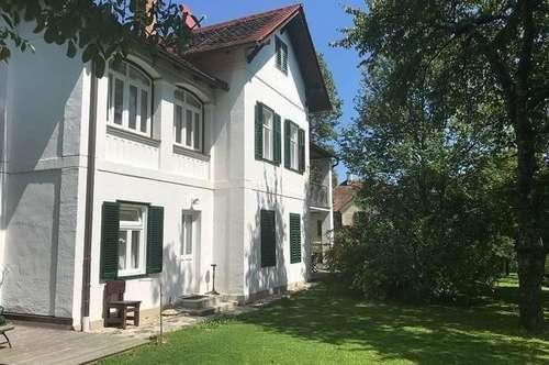 Wohnung im Villen-Obergeschoß mit großen Garten !