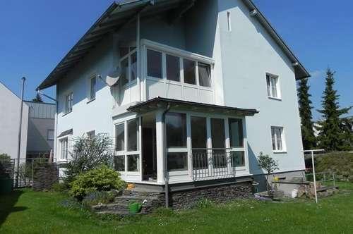 Grundstücksrarität mit Zweifamilienhaus im Zentrum von Ried im Innkreis