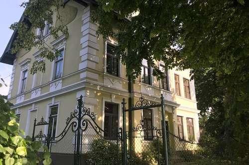 Jahrhundertwende Villa in einzigartiger Traumlage !!