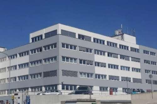 Kleines Büro zu mieten in Wr. Neudorf