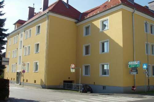 Charmante, großzügige und helle 2-Zimmer-Wohnung in sehr zentraler Lage in Perg! Entspanntes Wohnen in Toplage mit perfekter Infrastruktur!