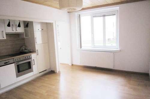 STRANDBAD-NÄHE/Entzückende Kleinwohnung mit 1,5 Zimmern
