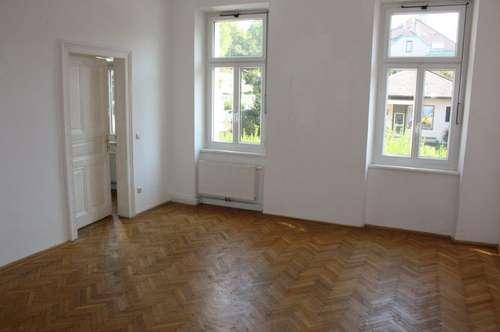 WINTERGASSE, unbefristete 76 m2 Altbau, 3 Zimmer, Extraküche, Wannenbad, ein fixer KFZ-Abstellplatz;