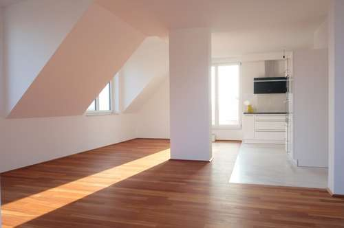 Exklusive DG Wohnung - 4 Zimmer - 2 Dachterrassen - DIREKT in MÜNCHENDORF