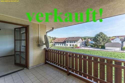 Südseitige 2 Zimmerwohnung, 8 qm Loggia, PKW-Abstellplatz