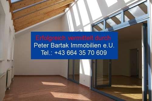 LAXENBURG NÄHE - WOHNEN WIE IM HAUS - Peter Bartak Immobilien e.U.