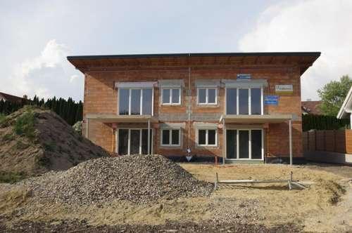Top 2 Erstbezug! Gartenwohnung am Linzerberg, 90 m² WNFL (4 Zimmer) + Terrasse + Eigengarten + 2 Parkplätze!