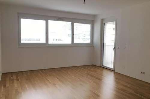 """""""Genossenschaftswohnung"""" 4 Zimmer- Wohnung mit Loggia im 2. Obergeschoss"""