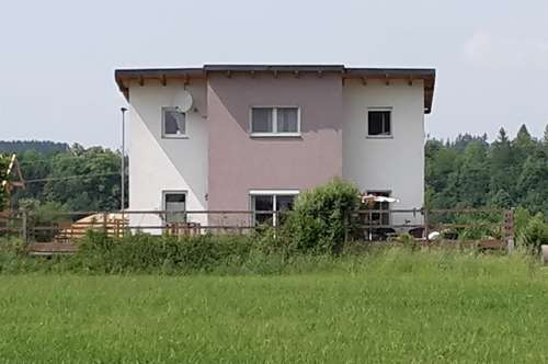 Sonniges Familienhaus mit Garten im Grünen - PROVISIONSFREI