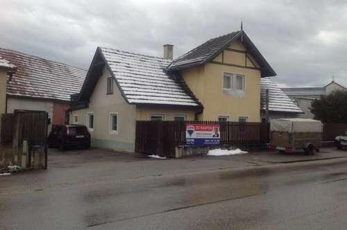 Ein- bzw. Zweifamilienhaus mit großer Lagerhalle/Werkstatt