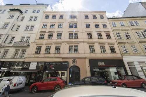 Moderne 4-Zimmer DG-Wohnung mit traumhafter Dachterrasse im Herzen der Innenstadt - unbefristet zu mieten!