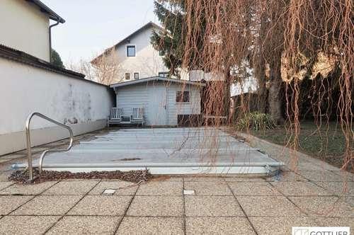 Grosszügiges Einfamilienhaus mit Garten, Swimmingpool und Doppelgarage in Grünruhelage