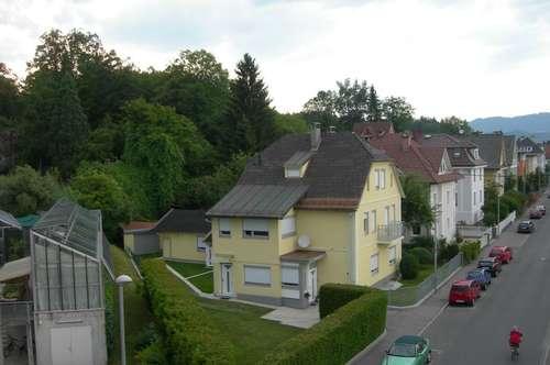 Renovierte Dachgeschosswohnung am Kreuzbergl