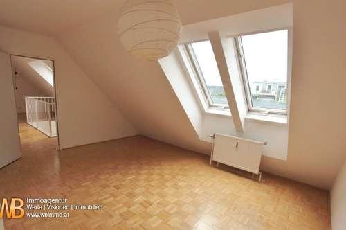 1140, 10-Zi. DG-Wohnung mit 2 Stellplätzen und Terrassen