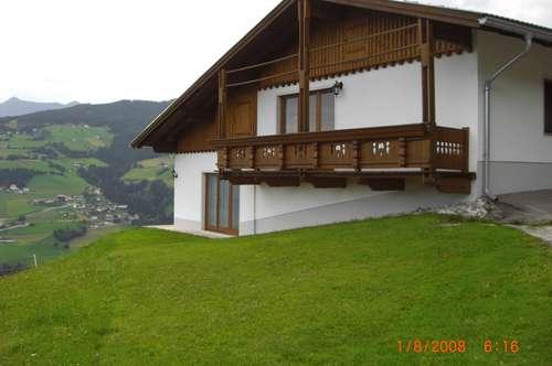 Neuwertige Ferienwohnung in herrlicher Aussichtslage auf Bergbauernhof