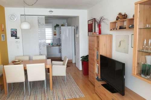 Freundliche 3 Zimmer Wohnung mit Blick in die Weinberge