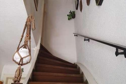 Bastler aufgepasst! (Einfamilienhaus auf einem BAURECHSTGRUND)