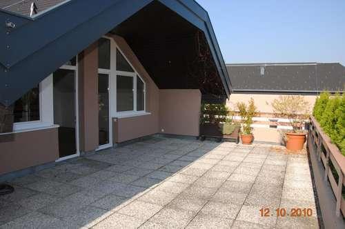 3 Zimmer DG Wohnung mit Dachterrasse