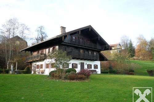 Bauernhaus mit parkähnlichem Grundstück im Salzkammergut