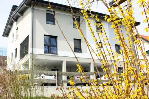 Doppelhaushälfte in Niedrigenergiebauweise - ruhige Lage