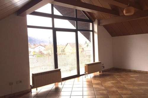 Einladende, helle 3 Zi-Wohnung mit Balkon in Salzburg-Schallmoos.