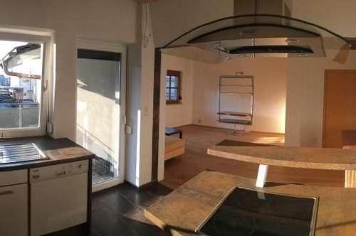 Großzügige 3 Zimmer Wohnung im 1. OG. mit Terrasse in Volders